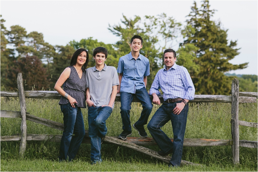 Family_Sesssion_With_OLder_Kids_Teenage_Boy_Family_session_how_to_pose_0040
